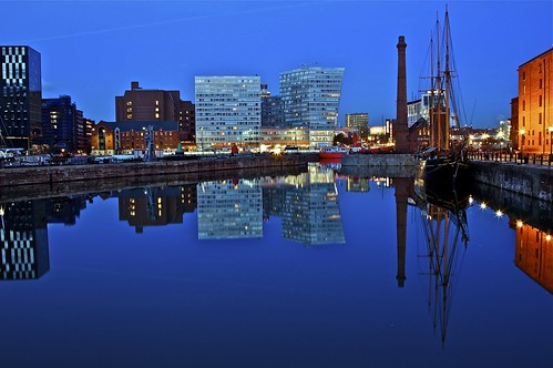ALBERT DOCK LIVERPOOL NOVEMBER 1st 2011