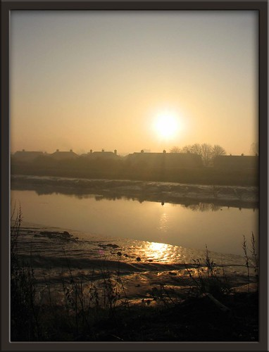 morning winter mist reflection fog sunrise river landscape dawn scotland frost falkirk rivercarron