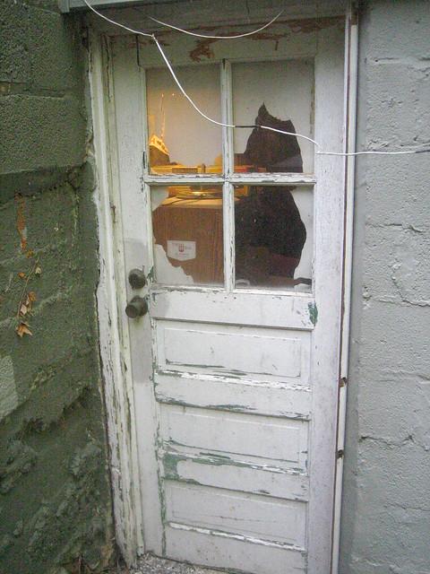 Door Utility Room 0 Peeling Paint Dsl Line Repairs