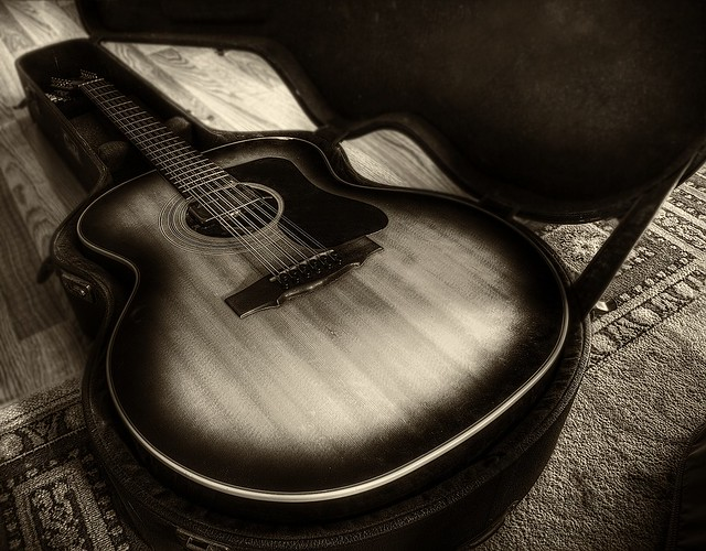 Photo:Guild F212XL By Glen Bledsoe