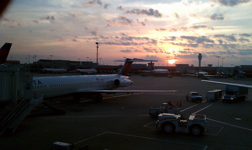 airplanes vacations blogpics cellphonephotos sunrisessunsets airportstrainstationsetc carstrucksetc