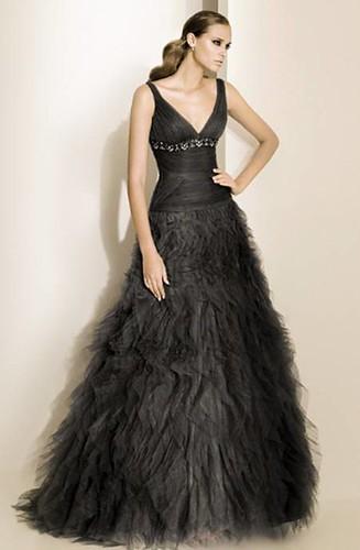 Pronovias-fiesta-2011-modelo-Noelia