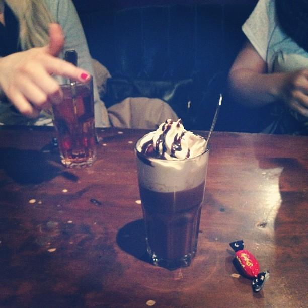 #cafeeuropa last week with @lottapod & @erabo!! #hotchocolate