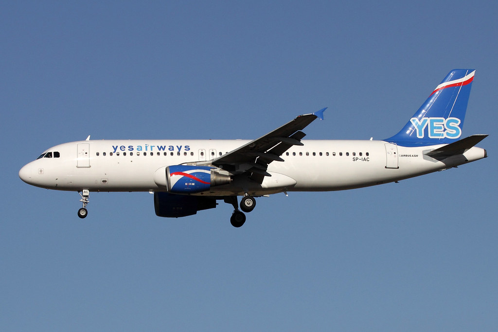 10 octobre 2011 - YESAIRWAYS  Airbus  A320  SP-IAC - LFBO - TLS