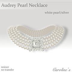 textile(0.0), moustache(0.0), wing(0.0), heart(0.0), ear(0.0), chain(0.0), bling-bling(0.0), pattern(1.0), pearl(1.0), jewellery(1.0),