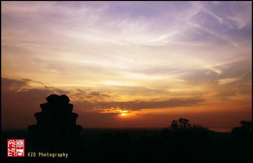 sunset sky golden nikon cambodia angkorwat burning burningsky 18200 d90