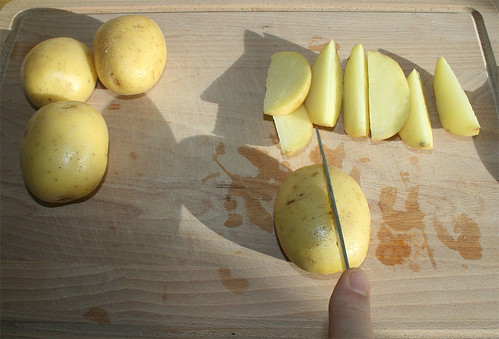 14 - Kartoffeln in Spalten schneiden