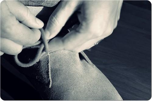 Pourquoi je fais mes lacets ... by skoub