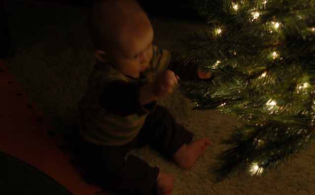 isaacs first christmas_7