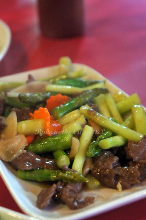 Stir-fried Beef with Asparagus (RM14)