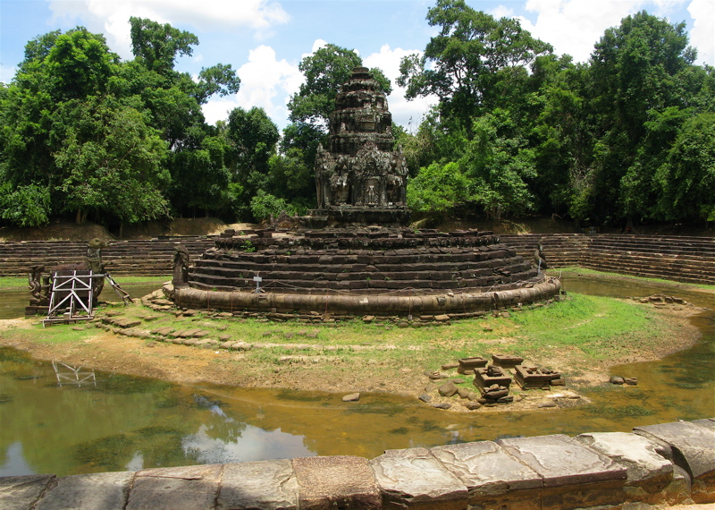Neak Poan Temple, Angkor