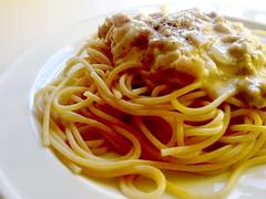 spaghetti alla puttanesca(0.0), fettuccine(0.0), produce(0.0), bucatini(1.0), spaghetti(1.0), pasta(1.0), spaghetti aglio e olio(1.0), pasta pomodoro(1.0), bolognese sauce(1.0), naporitan(1.0), pici(1.0), food(1.0), dish(1.0), capellini(1.0), carbonara(1.0), bigoli(1.0), cuisine(1.0),