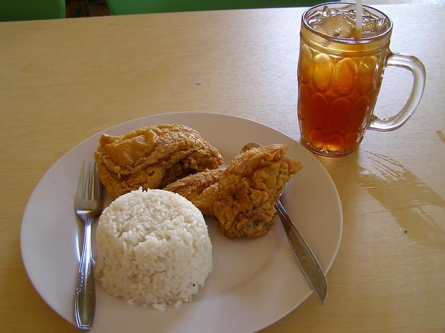 "Jogja Chicken,特別推薦給愛""雞""之人。"