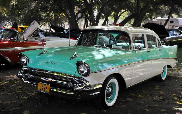 1957 Chevrolet Two Ten 4 Door Sedan India Ivory Over
