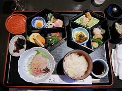 Japanese cuisine, Shokado bento: 松花堂弁当