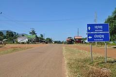 Cap a Paksong falta gent (carretera en construcció...)