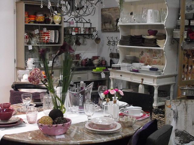histoire de deco d coration luminaires meubles cadeaux 98 avenue georges pompidou in. Black Bedroom Furniture Sets. Home Design Ideas