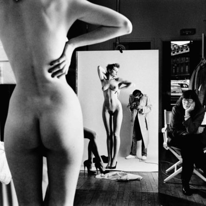 Self-portrait with wife and models, Paris 1981 baja
