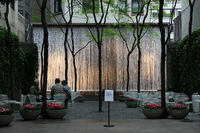 New York, Paley Park (Zion & Breen 1967) 26