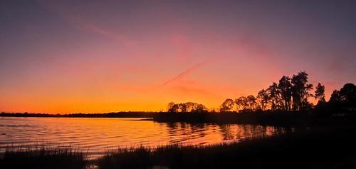 sunset bravo saugatuck longislandsound redskyatnight innatlongshore longshoreinn magicalskiesmick