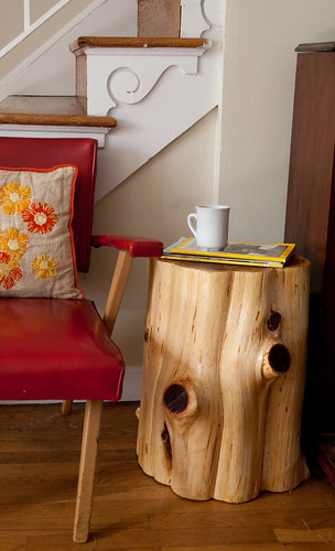 a diy tree stump table the reveal diy del ray. Black Bedroom Furniture Sets. Home Design Ideas