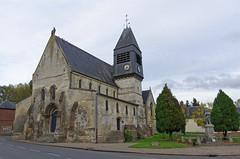 Guerbigny (église et monument-aux-morts) • 1