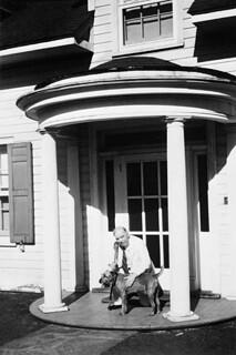 Pat II, with Mackenzie King, 1947 / Pat II, en compagnie de Mackenzie King, 1947