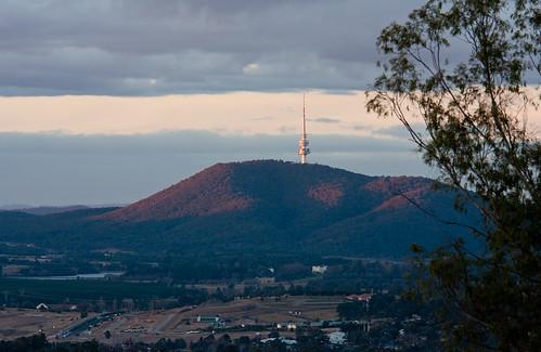 sky nature landscape australia canberra aus sunrisesunset act chapman canonef70200mmf4lisusm canonef14xiiextender canon40d coolamonridge