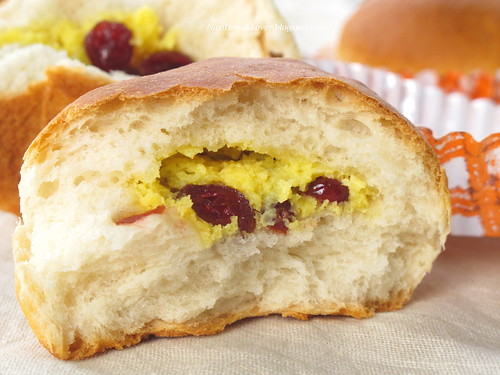 Cranberry Cream Cheese Buns