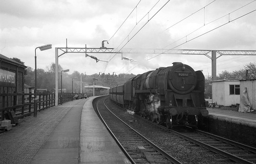 Berkhamsted 9F 92051 Stonebridge Park-Toton Yard empty coal 1964