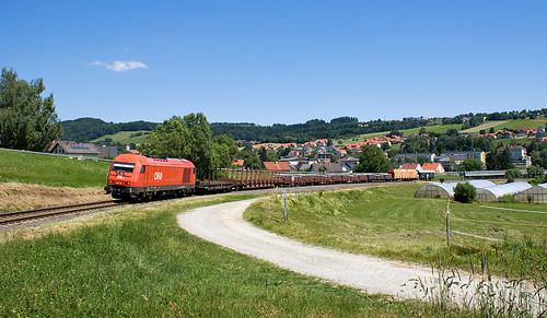 ÖBB 2016 016 mit dem Pinkataler Verschubgüterzug/ÖBB 2016 016 a Pinka-völgyi tolatóssal