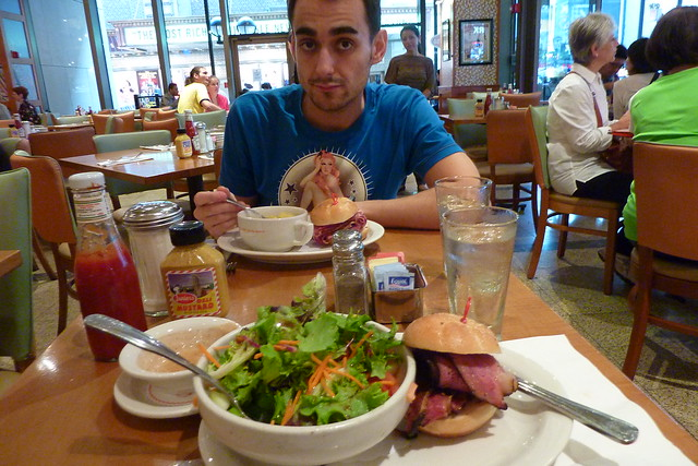 0835 - Lunch @ Junior's