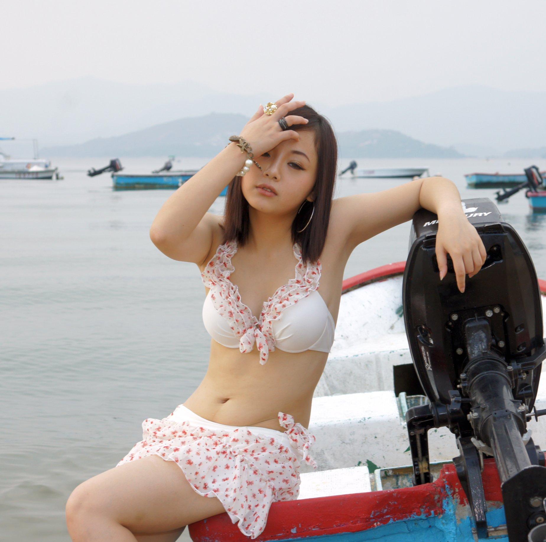 Bollwood Actress  nude .com