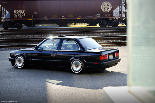 Stephen's E30 on Impul Silhouettes