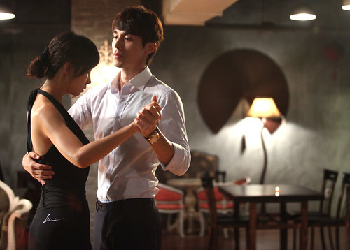 800px-Scent_of_a_Woman_(Korean_Drama)-17