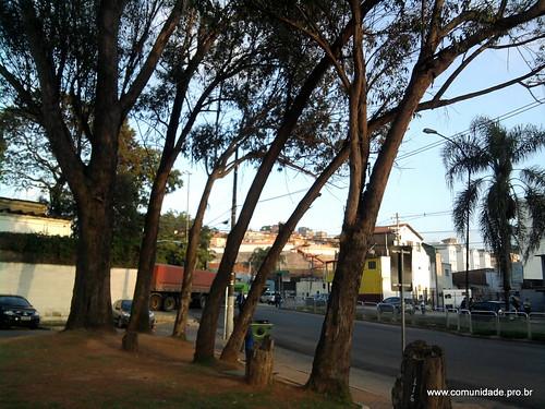 Entrada de caminhões do Moinho ao lado do CEU Jaguaré by @profjoao