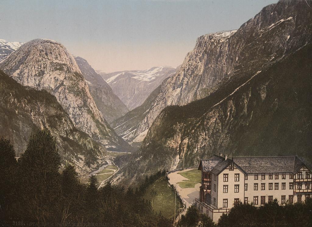 7198. Stalheim Hotel med Nærødalen