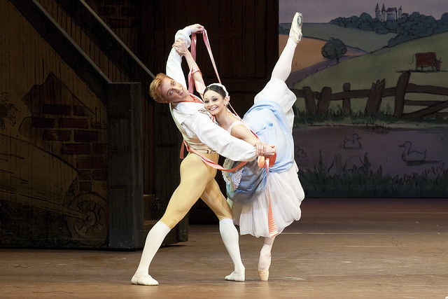 Roberta Marquez as Lise and Steven McRae as Colas in La Fille Mal Gardee © Tristram Kenton/ROH 2010