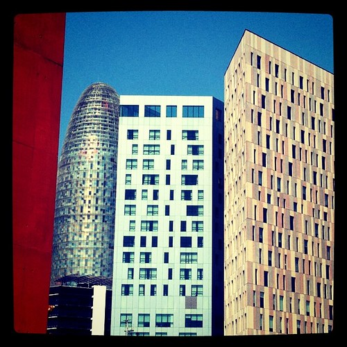Overbooking arquitectònic. 22@ #Barcelona #Diagonal #arquitectura #iphone