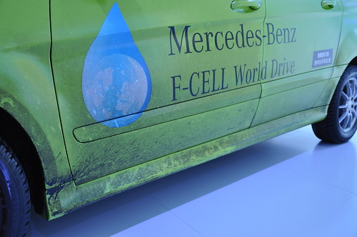 Mercedes F-CELL World Drive