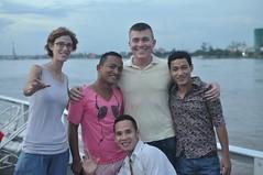 L'Anna, el Sam i una colla d'amics amb els que vam llogar una barco per un parell d'hores