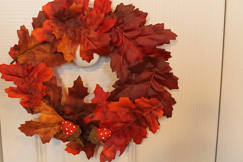 My fall leaf wreath with polka dot acorns