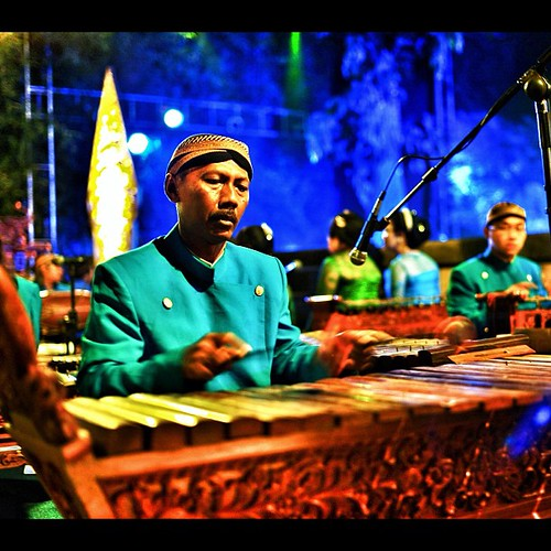 Gamelan #culture #traditional #instagram #instago #to_follow_everyone #snapseed #iphonesia #leicam9 #leica #summilux