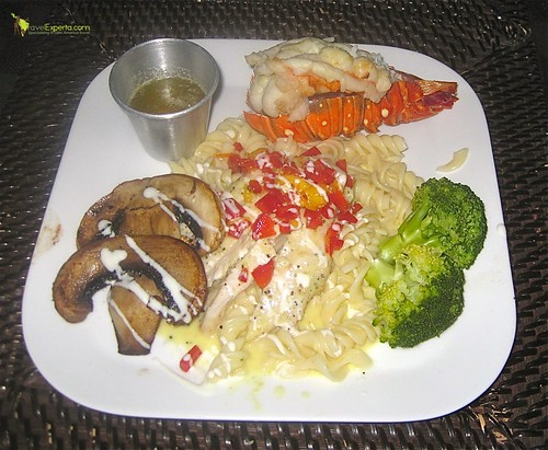 gourmet lobster dinner roatan honduras bay islands