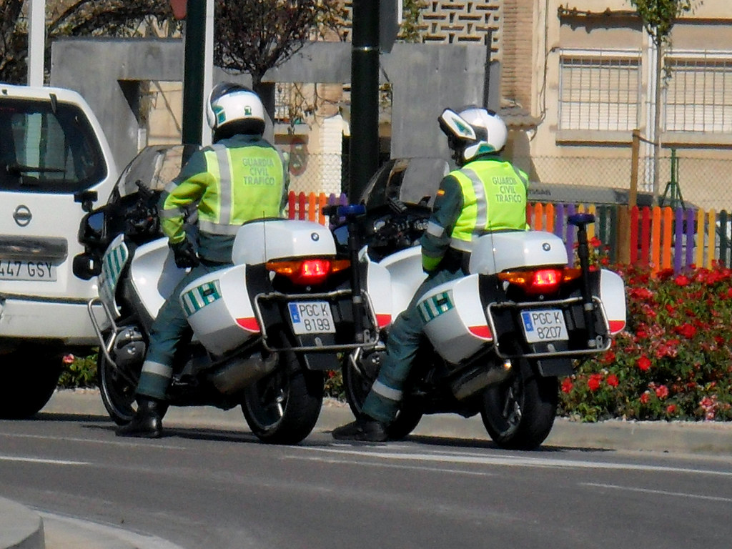 Guardia Civil Tráfico. BMW 1200RT. 061 Zaragoza.