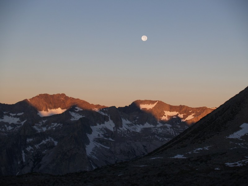 Dusy Basin dawn - full moon over the Black Divide
