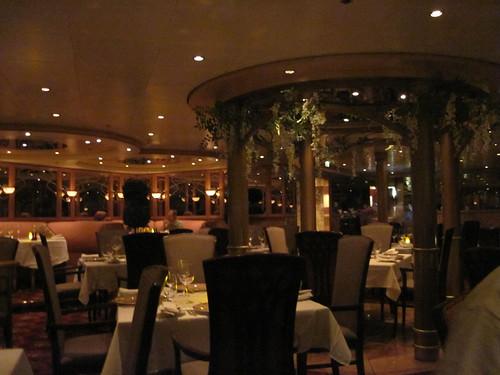 Le Bistro restaurant on the Norwegian Sun