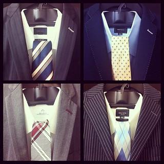 2011.11.21-25のスーツの予定。左が月火、右が木金。
