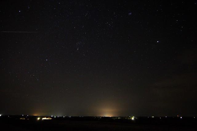 2 meteors [Draconid Meteor Shower, 2011]