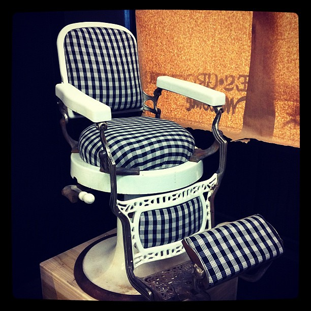 Sweet old school barber chair flickr photo sharing